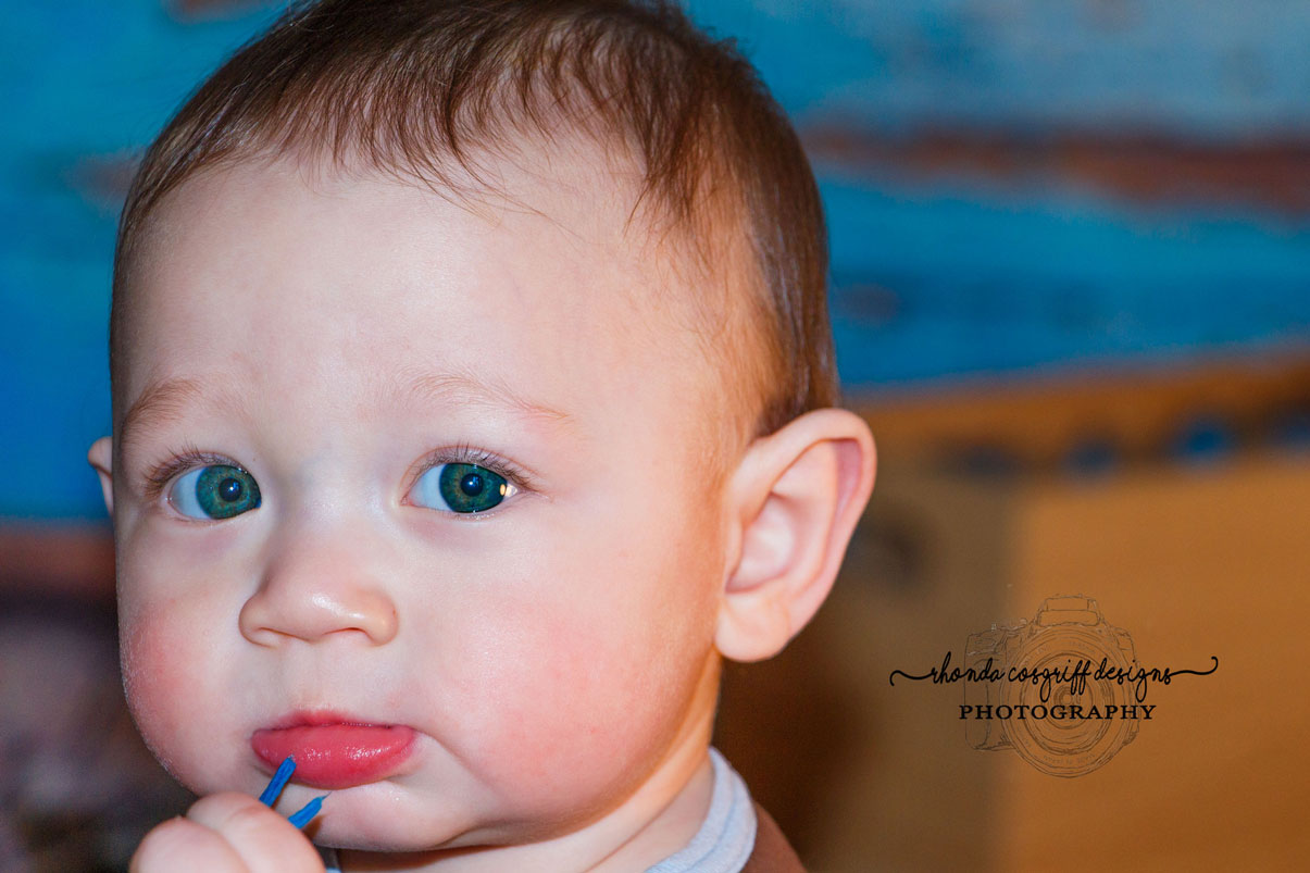 Infant photography by Rhonda Cosgriff Designs